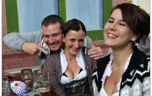 【慕尼黑图片】慕尼黑啤酒节——她的沟沟深吗?