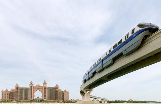 迪拜棕榈岛 阿布扎比一日游(单轨列车 自助午餐)