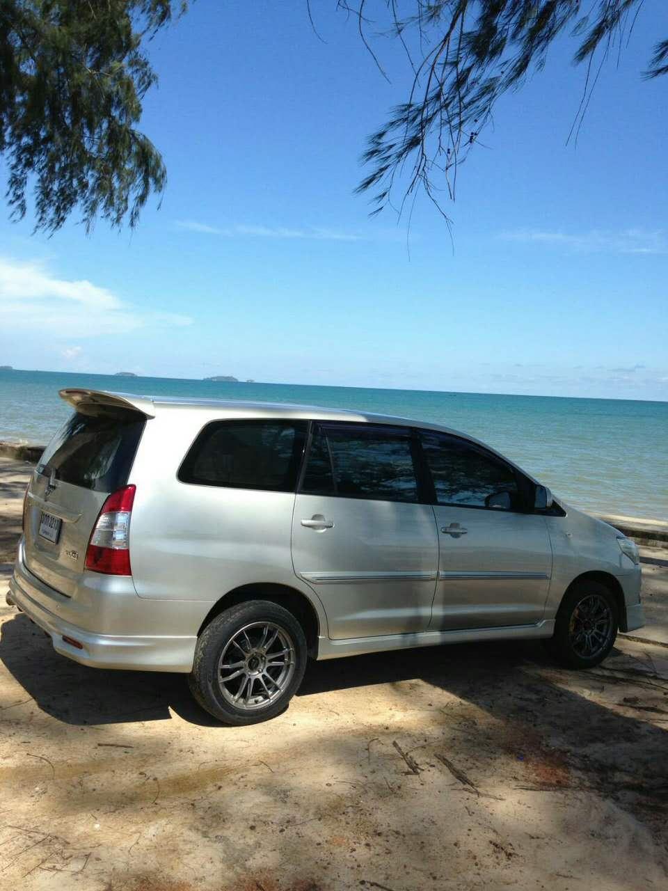 经济七座车:丰田innova或同级别车型
