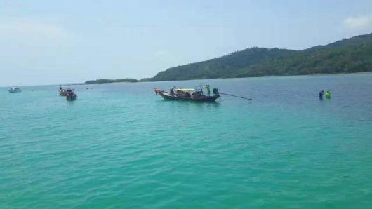 旦岛 ,又称丹岛,位于苏梅岛