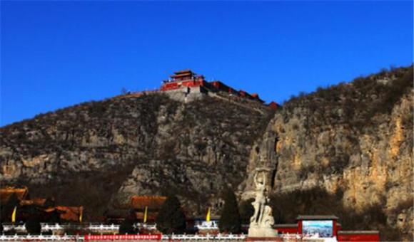 河南淇县古灵山风景区位于县城西北8公里处,是国家aaaa级景区,《封神