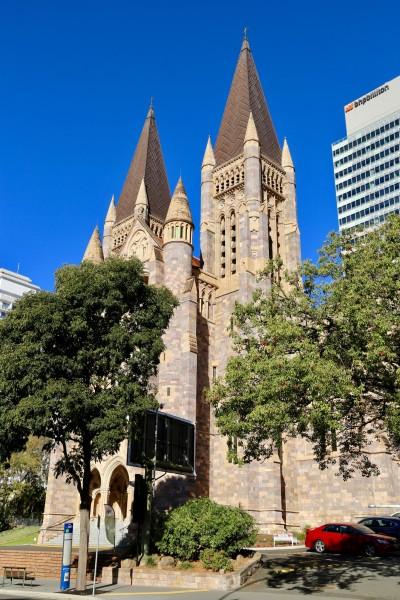 考拉和袋鼠是澳大利亚的招牌明星,到澳大利亚旅游都要看看它们.