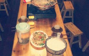 黔东南美食-千人长桌宴
