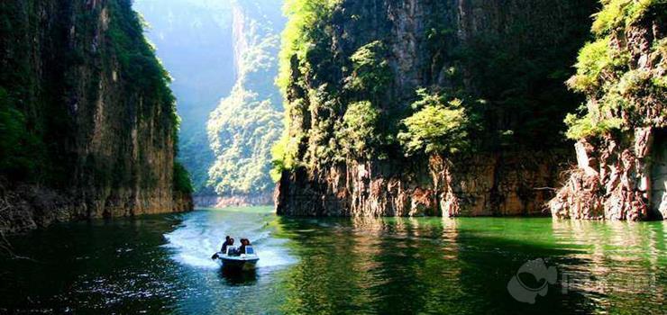龙峡湖景区