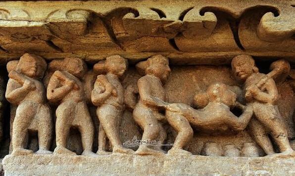 走进世界独一无二的性庙:印度克久拉霍性爱神庙