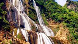 黄果树瀑布景点-滴水滩瀑布