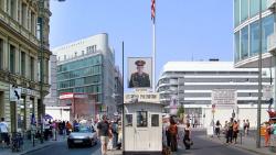 柏林景点-查理检查站(Checkpoint Charlie)
