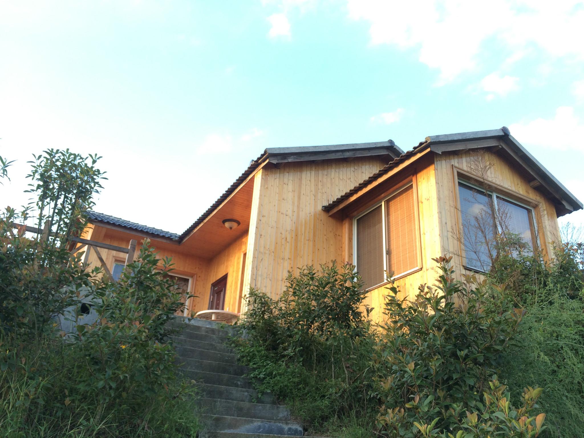 这里没有概念民宿的精致和设计——山野独栋木屋别墅,享受粗犷又安静