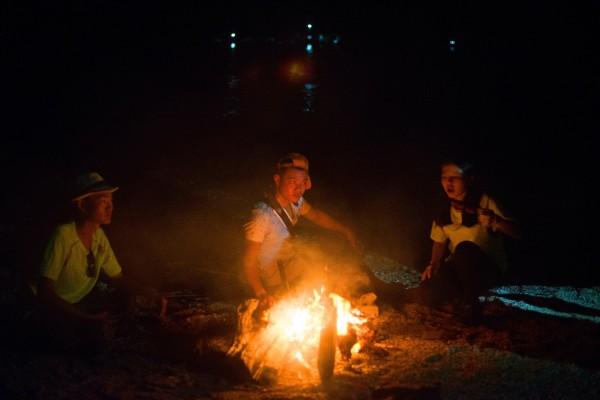 惠州海域荒岛求生,篝火,烟花,音乐各种嗨皮