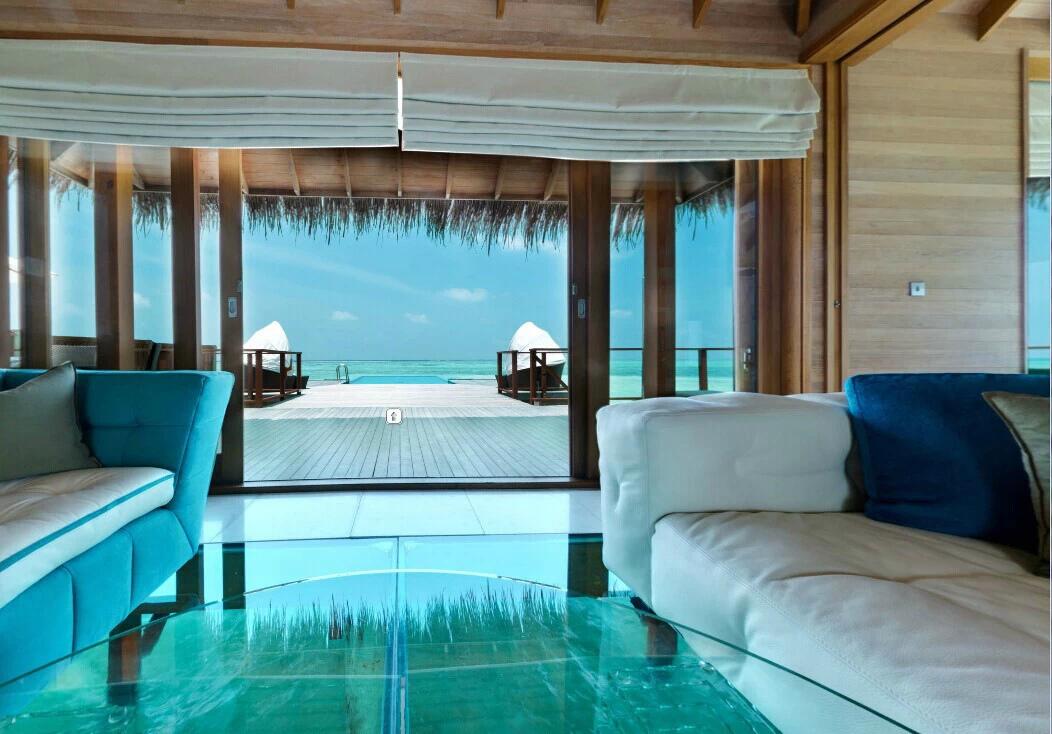 马尔代夫希尔顿港丽岛水屋的区别